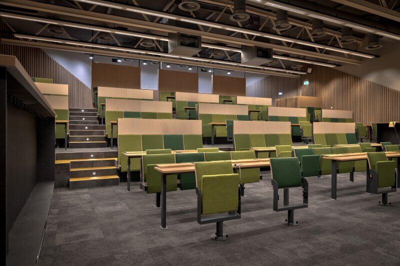 Interieur collegezaal UMC Amsterdam - Haklander Harderijk