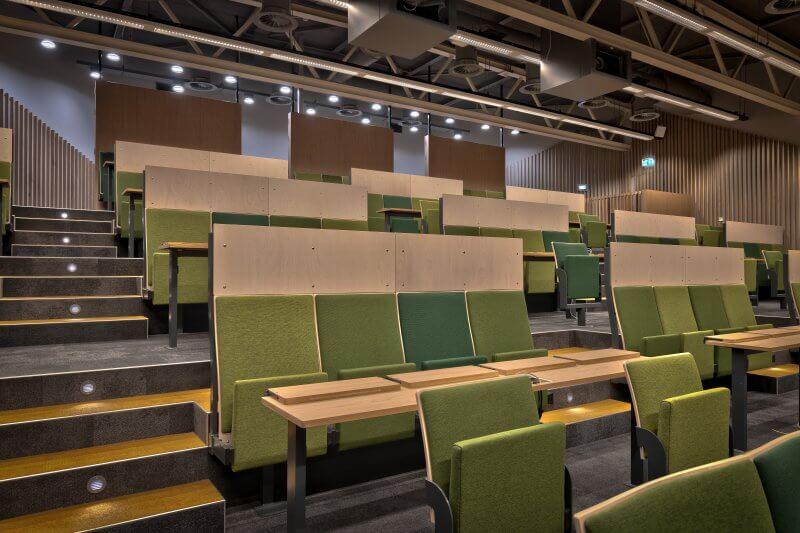 Interieur collegezaal - Haklander Interieurbouw