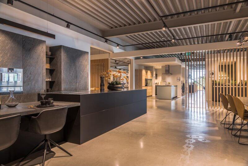 Sfeervolle showroom inrichting | Interieurbouw