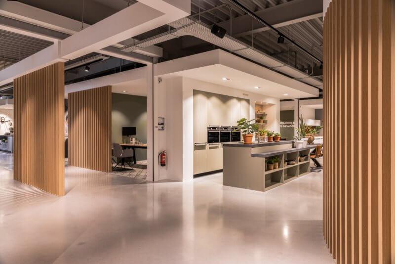 Sfeervol interieur voor showroom | Interieurbouw Haklander
